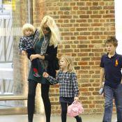 Claudia Schiffer : le top model preppy est aux petits soins pour ses enfants