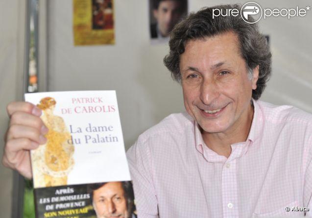 Patrick de Carolis signe son roman La dame du Palatin, au festival du livre à Nice en juin 2011