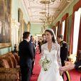 A Buckingham Palace. La robe de mariée de Kate Middleton, chef-d'oeuvre signé Sarah Burton pour Alexander McQueen, a été l'un des secrets les plus convoités et les mieux gardés du début d'année 2011.