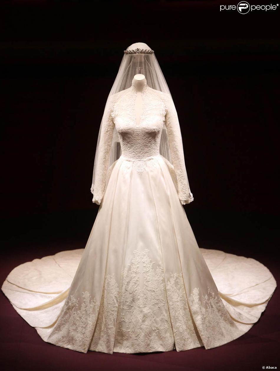 Exposition buckingham palace la robe de mari e de kate for Alexander mcqueen robe de mariage
