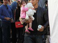 Mario Lopez encore plus gaga que sa girlfriend Courtney devant leur petite Gia