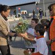 Acclamée, la princesse Stéphanie de Monaco, comme chaque année, donnait le 12 novembre 2011 sur le port Hercule le départ de la course caritative No Finish Line Race, une initiative originale qui se court sur huit jours au profit des enfants défavorisés.