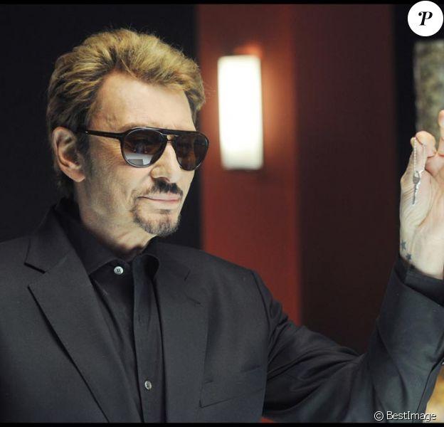 Johnny Hallyday va retrouver son look de rocker !