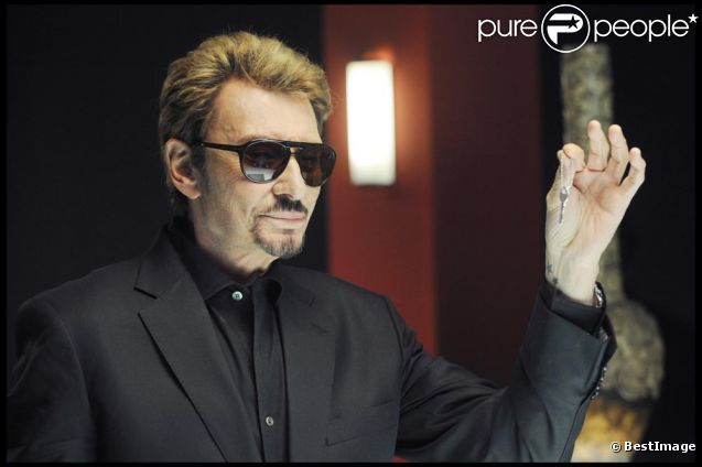 Johnny Hallyday va retrouver son look de rocker !
