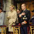 Charlene et Albert lors de la messe donnée en Notre-Dame-Immaculée pour la fête nationale à Monaco. Il s'agit de la première pour Charlene, qui semble recueillie, en tant que princesse. Le 19 novembre 2011