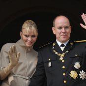 Monaco : Complicité du prince Albert et Charlene pour une belle photo de famille