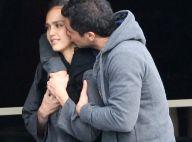 Jessica Alba : Perdue dans les bras de son mari, elle s'égare niveau look