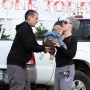 Pink : Accompagnée de son mari, elle prépare sa petite Willow à son premier Noël
