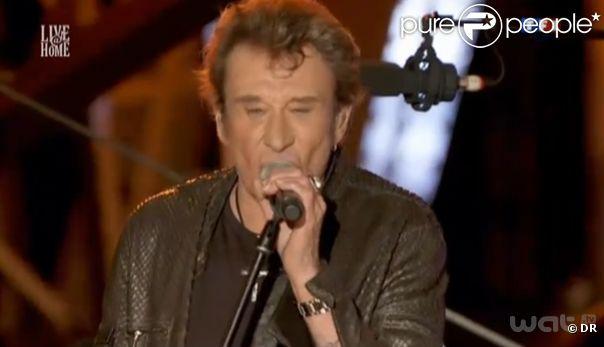 Johnny Hallyday donne un concert privé à la Tour Eiffel pour Live@Home, le samedi 3 décembre 2011.