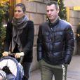 Antonio Cassano, sa femme Carolina Marcialis et leur petit garçon Christopher à Milan le 15 décembre 2011