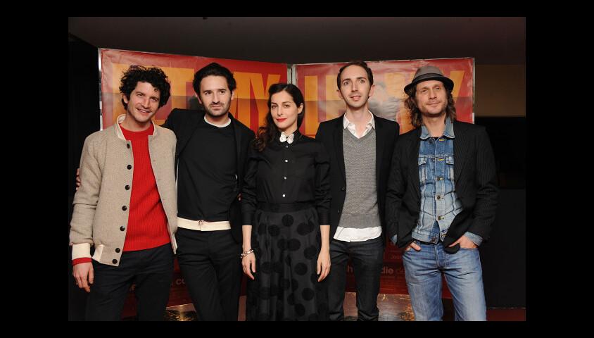 Clement Sibony, Nicolas Maury, Amira Casar, director Mikael Buch et Charlie Dupont lors de l'avant-première du film Let My People Go ! à Paris le 22 décembre 2011