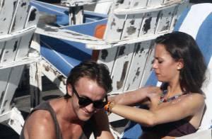Tom Felton et sa belle Jade entre plongeons dans la piscine et bain de soleil