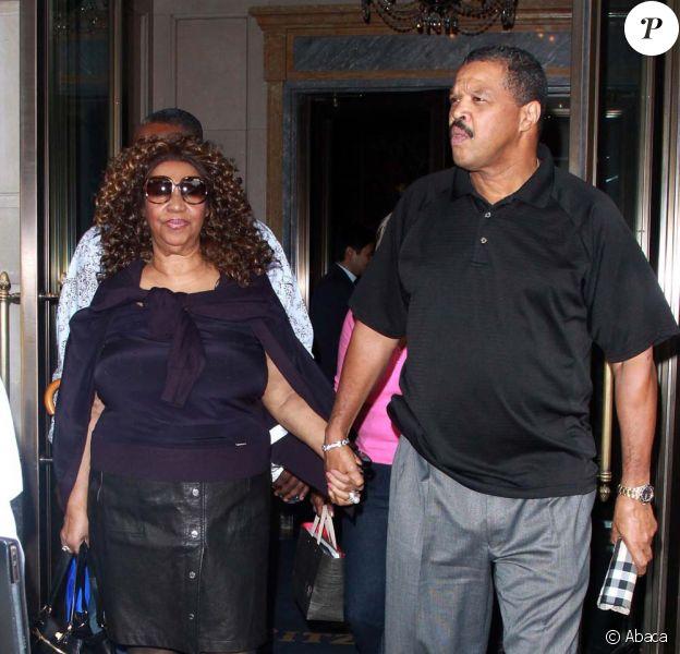 Aretha Franklin et son fiancé William Wilkerson à New York, pour la fashion week, le 15 septembre 2011.