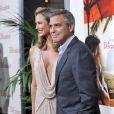 Stacy Keibler et George Clooney à Los Angeles, le 15 novembre 2011.
