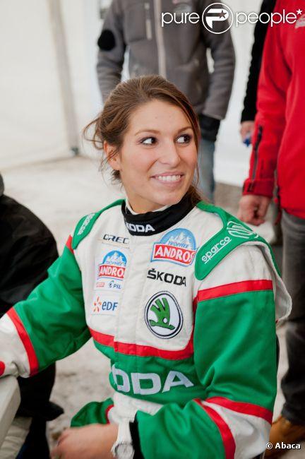 Laury Thilleman, souriante le 7 janvier 2012 à Isola 2000