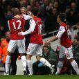 Thierry Henry célèbre son but avec son coach de toujours Arsène Wenger le 9 janvier 2012 à Londres