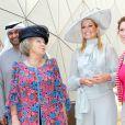 Visite à Masdar City, à Abu Dhabi. La reine Beatrix, le prince Willem-Alexander et la princesse Maxima des Pays-Bas effectuaient les 8 et 9 janvier 2011 une visite officielle dans les Emirats arabes unis.