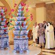 Le cheikh Khalifa bin Zayed Al Nahyan, président des Emirats Arabes Unis et émir d'Abu Dhabi, a reçu le 8 janvier 2012 la reine Beatrix, le prince Willem-Alexander et la princesse Maxima des Pays-Bas, qui effectuaient les 8 et 9 janvier 2011 une visite officielle dans les Emirats arabes unis.