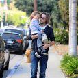 Gabriel Aubry escorte sa fille Nahla à l'école. Los Angeles, le 9 janvier 2012.