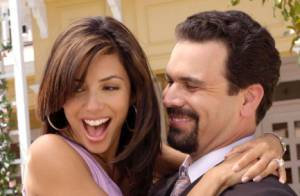 Eva Longoria sexy, tactile et complice avec Ricardo Chavira, son faux mari