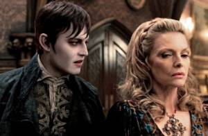 Johnny Depp poudré et Michelle Pfeiffer austère dans Dark Shadows