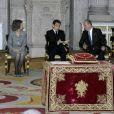Le président de la République française Nicolas Sarkozy a été décoré de l'ordre de la Toison d'Or par le roi Juan Carlos Ier d'Espagne, lundi 16 janvier 2011, à Madrid. La reine Sofia, le prince Felipe et la princesse Letizia assistaient à la cérémonie.