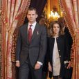 Felipe et Letizia d'Espagne lors de la cérémonie de remise de la Toison d'Or à Nicolas Sarkozy. Le président de la République française Nicolas Sarkozy a été décoré de l'ordre de la Toison d'Or par le roi Juan Carlos Ier d'Espagne, lundi 16 janvier 2011, à Madrid. La reine Sofia, le prince Felipe et la princesse Letizia assistaient à la cérémonie.