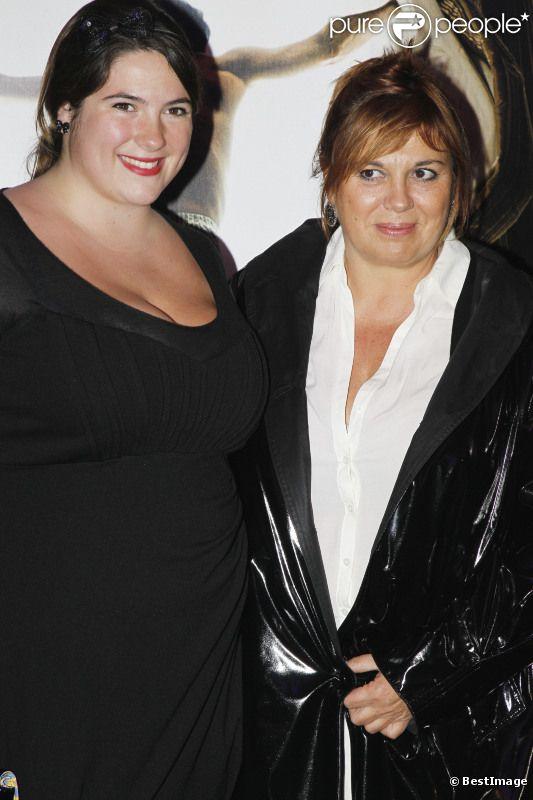 Michèle Bernier et sa fille Charlotte à une avant-première à Paris en novembre 2011