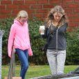Ryan Phillippe assiste avec sa fille Ava au match de basket de son fils Deacon à Brentwood le 21 janvier 2012 : la jeune Ava (à gauche sur la photo), qu'il a eue avec Reese Witherspoon, est accompagnée d'une copine