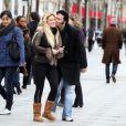 Loana et Eryl Prayer se retrouvent lors de la sortie de cette dernière de l'hôpital Sainte-Anne à Paris en janvier 2012