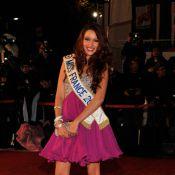 Delphine Wespiser : Envoûtante, Miss France dévoile ses sublimes gambettes