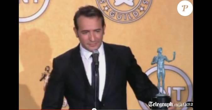 Jean dujardin avec son prix des screen actors guild for Dujardin inde