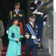 La reine Silvia et le roi Carl XVI Gustaf de Suède au mariage de Willem-Alexander et Maxima des Pays-Bas.   Le prince Willem-Alexander des Pays-Bas et la princesse Maxima se sont mariés le 2 février 2002 à Amsterdam. Le 2 février 2012, ils célébraient leurs noces d'étain.