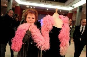 Régine ouvre sa garde-robe et affole les fans de mode vintage