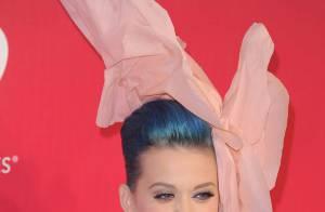 Katy Perry : Sublime fleur géante face au chic tout-terrain d'Alicia Keys