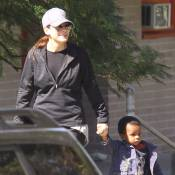 Sandra Bullock : Main dans la main avec son petit Louis, toujours aussi timide