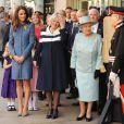 """""""La reine Elizabeth II, accompagnée de Camilla Parker Bowles et Catherine, duchesse de Cambridge, était en visite officielle à la boutique de luxe Fortnum & Mason le 1er mars 2012, pour officialiser la fin des travaux de rénovation de Piccadilly."""""""