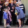 """""""Catherine, duchesse de Cambridge, se joignait à la reine Elizabeth II et à Camilla Parker Bowles, sa belle-mère et grande complice, lors d'une visite officielle chez Fortnum & Mason le 1er mars 2012, à Londres."""""""