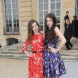 Les filles d'Angie Macdowell, Rainey et Sarah Margaret au défilé Dior à Paris le 2 mars 2012