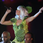Victoires 2012: Alessandra Sublet, en chou-Gaga, en Bejo, enceinte, donne tout !