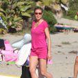 Heidi Klum emmène ses enfants à la plage de Malibu le 4 mars 2012
