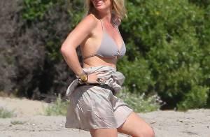 Rachel Hunter: À 42 ans, l'ex de Rod Stewart porte toujours aussi bien le bikini
