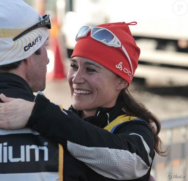 Pippa Middleton retrouve son frère James après la ligne d'arrivée de la Vasaloppet, légendaire et plus longue course de ski de fond (90 km), qu'elle a disputée le 4 mars 2012 en Suède. Elle a fini 412e sur 1734 femmes, en 7h13mn36. James Middleton, lui, était arrivé une demi-heure plus tôt.