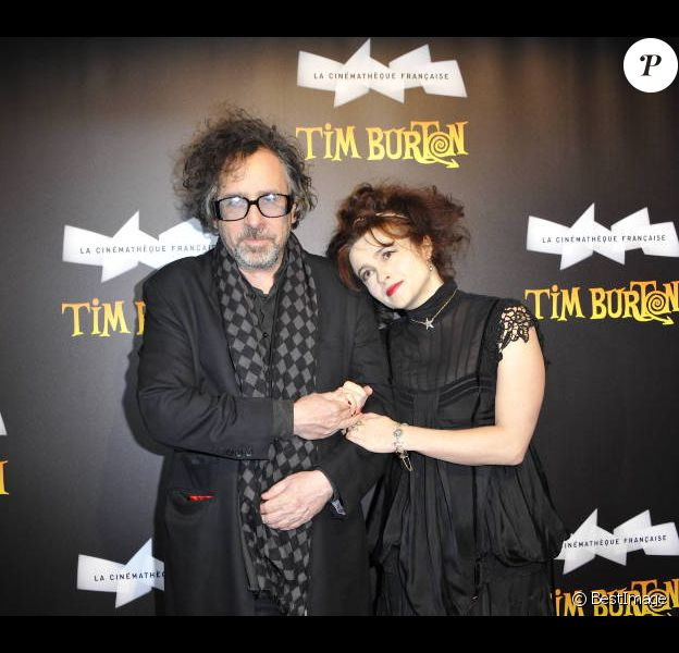 Tim Burton et Helena Bonham Carter au vernissage de l'exposition Tim Burton à la Cinémathèque française, à Paris le 5 mars 2012.