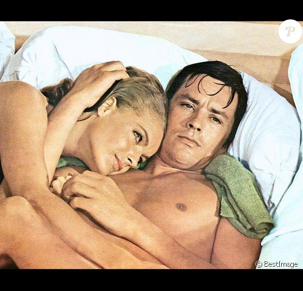 Alain Delon et Romy Schneider sur le tournage du film La Piscine en 1968