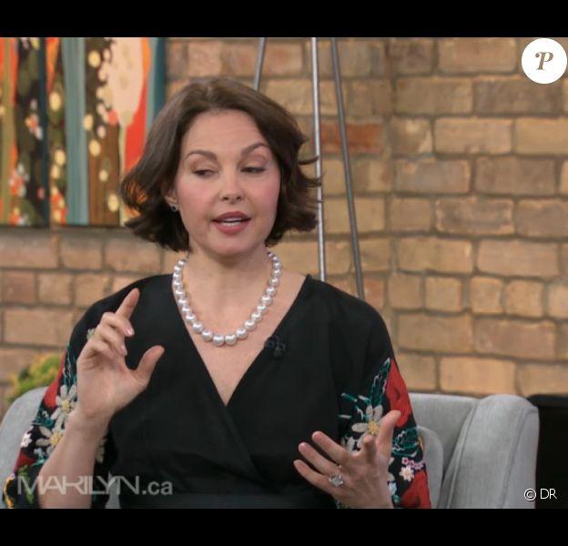 Ashley Judd, le visage gonflé, dans The Marylin Denis Show à la télévision canadienne, le 12 mars 2012.