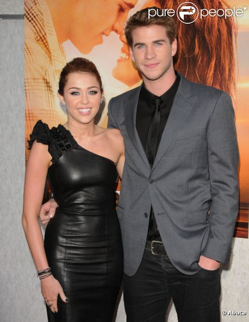 Miley Cyrus et Liam Hemsworth, en mars 2010 à Los Angeles.