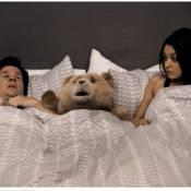 Ted : Le couple de Mila Kunis et Mark Wahlberg menacé par un ours grossier
