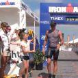 Lance Armstrong ignore superbement sa fille le 1er avril 2012 l'or de l'Half Ironman de Gavelstone au Texas