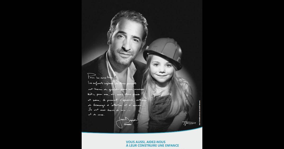 Jean dujardin s 39 engage en noir et blanc pour les enfants for Enfant dujardin
